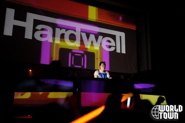Love comes again hardwell 2011 rework tiesto feat bt for Whats house music
